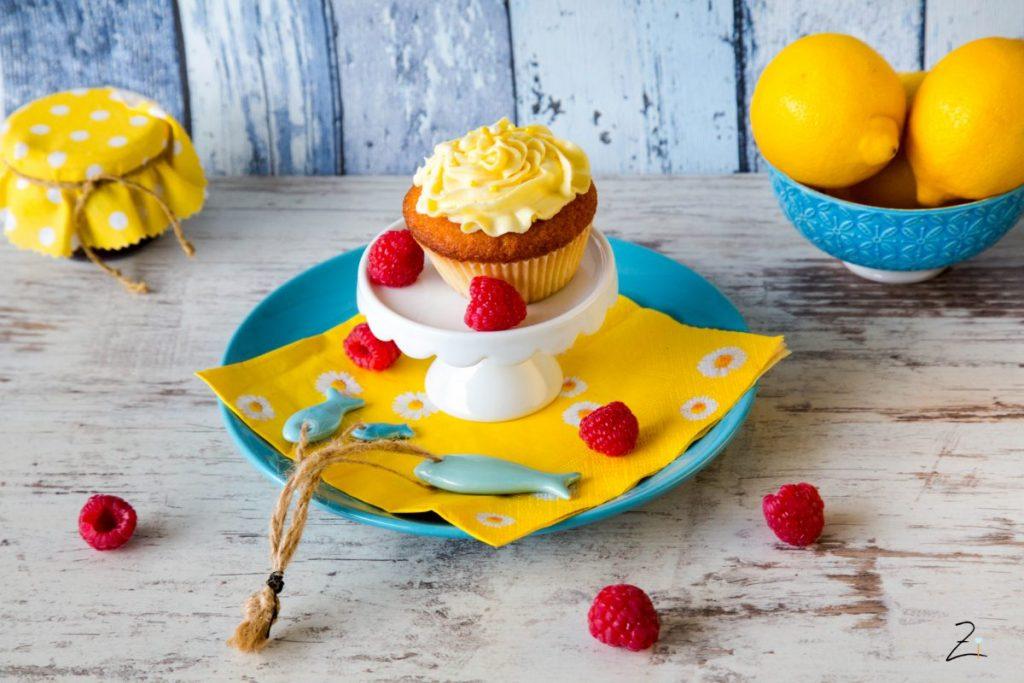Zitronen Cupcake mit Lemon Curd Topping