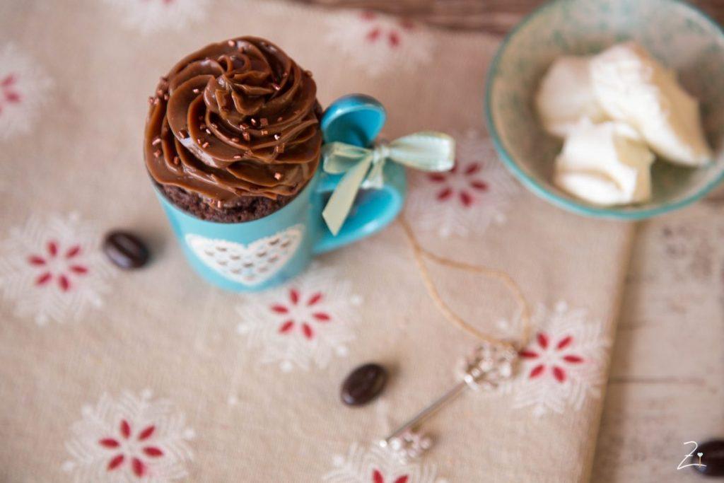 Cognac Haselnuss Mug Cake mit Nutella Topping