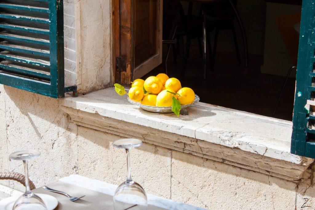 Orangen auf dem Fensterbrett, Mallorca
