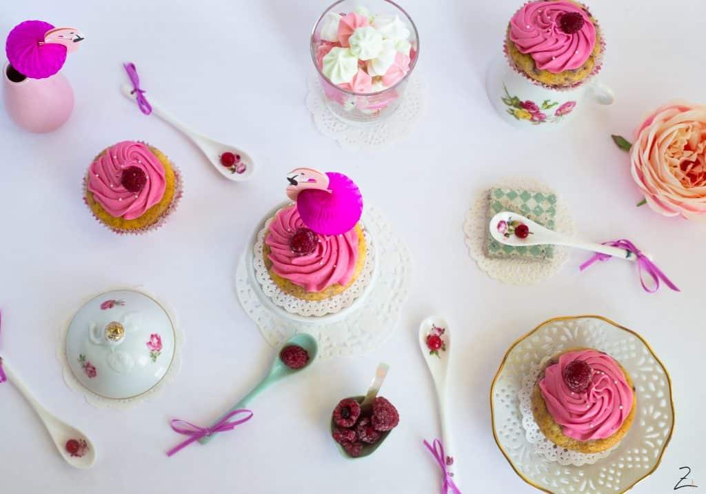 Flamingo Cupcake mit Vanille Cupcake und Himbeer Buttercreme