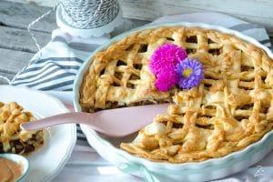 Apple Pie mit Rosinen und Walnüssen