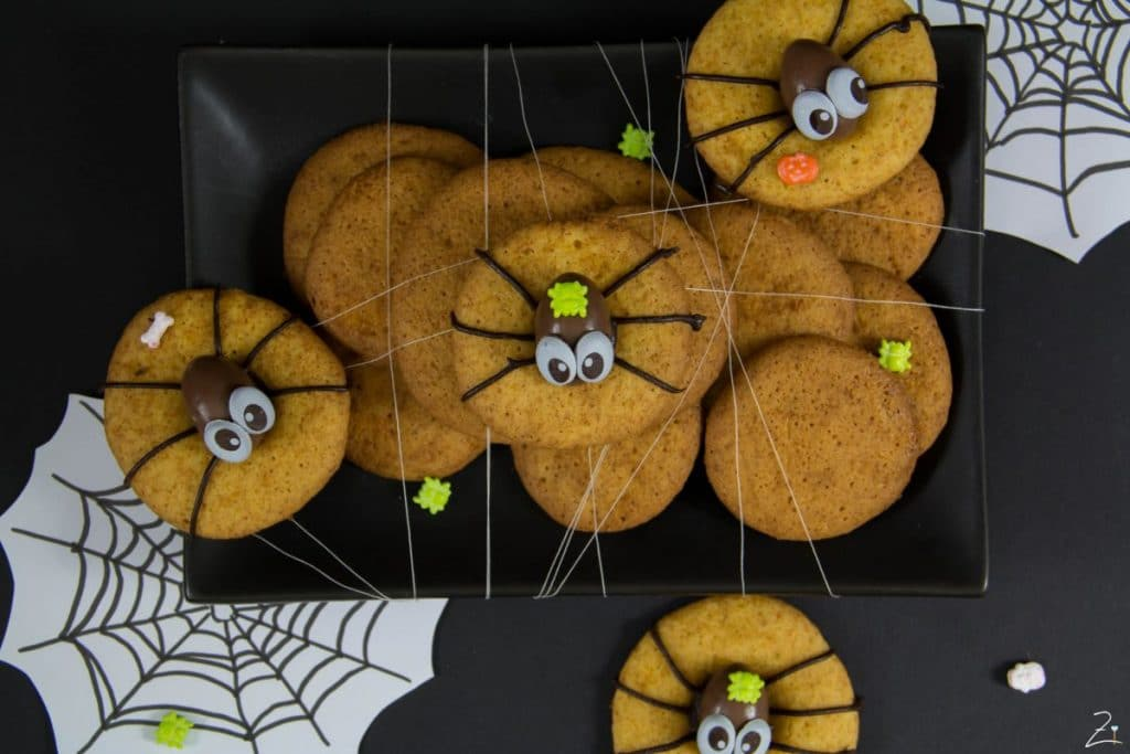 spinnen alarm spider cookies f r halloween. Black Bedroom Furniture Sets. Home Design Ideas