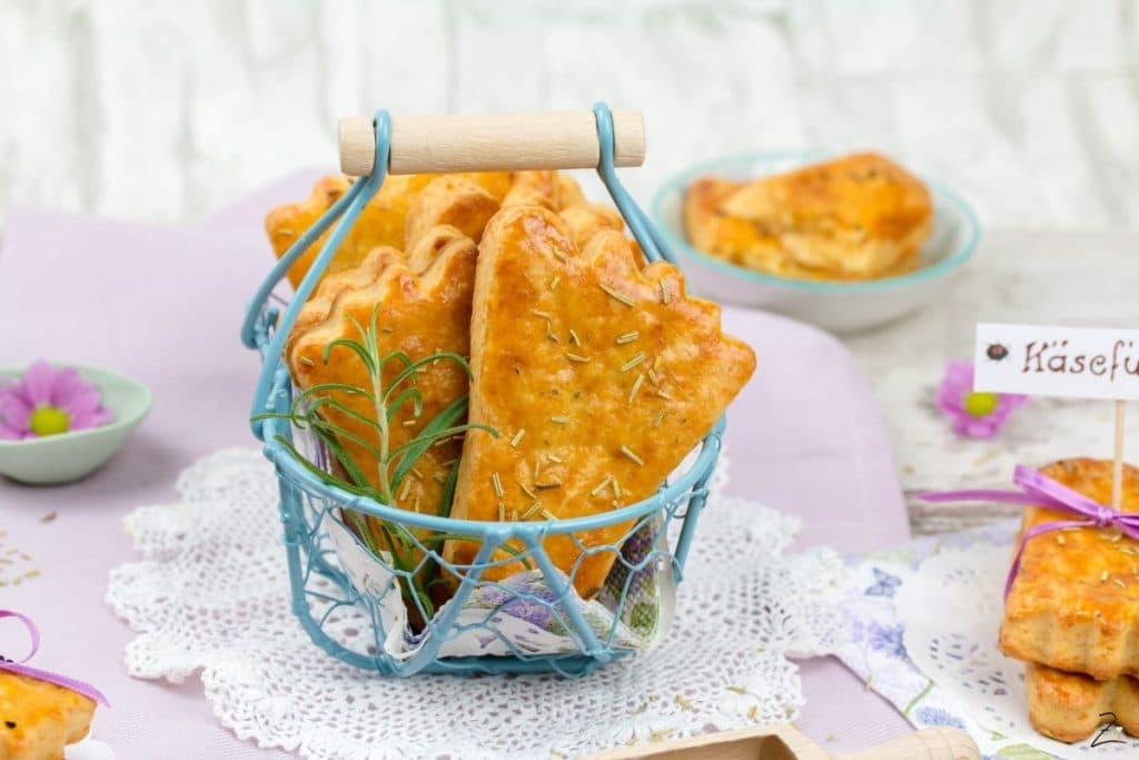 Rezept für Käsefüße aus Mürbeteig