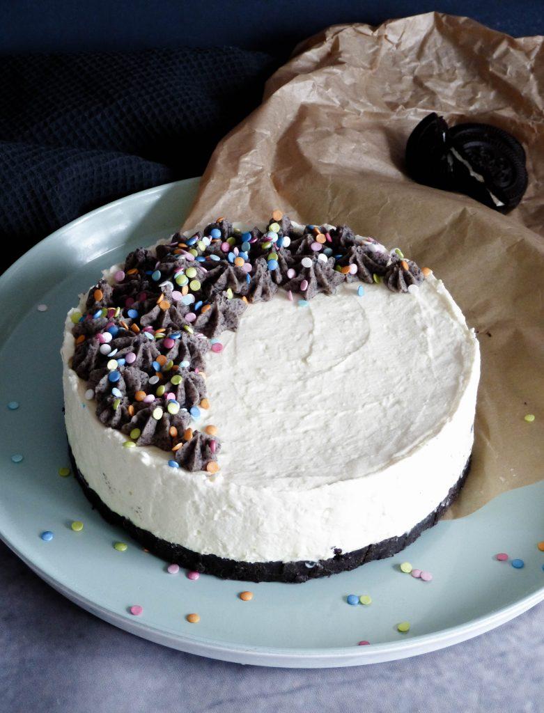 No Bake Oreo Cheesecake mit Funfetti - 1. Bloggeburtstag