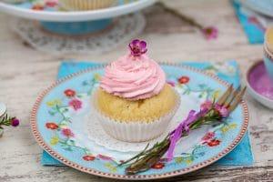 Rezept für rosa Mandel Cupcakes - Frühlingsbeginn mit Pip Studio