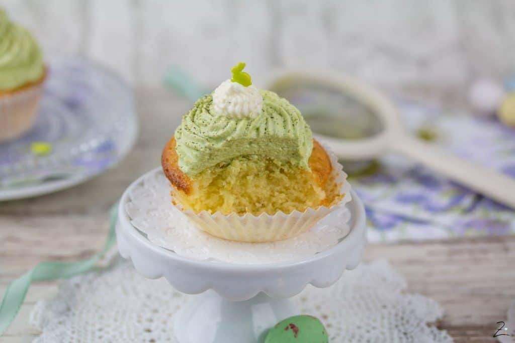 Osterrezept für Vanille Cupcakes mit Matcha Topping