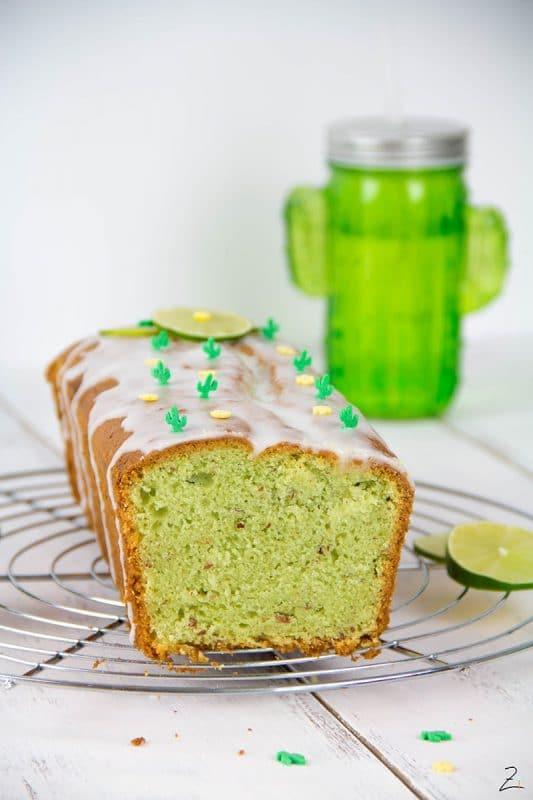 Avocado Kuchen mit Limetten Guss