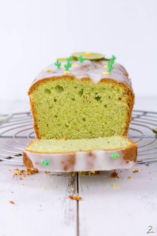 Einfacher Avocado Kuchen mit Limetten Guss