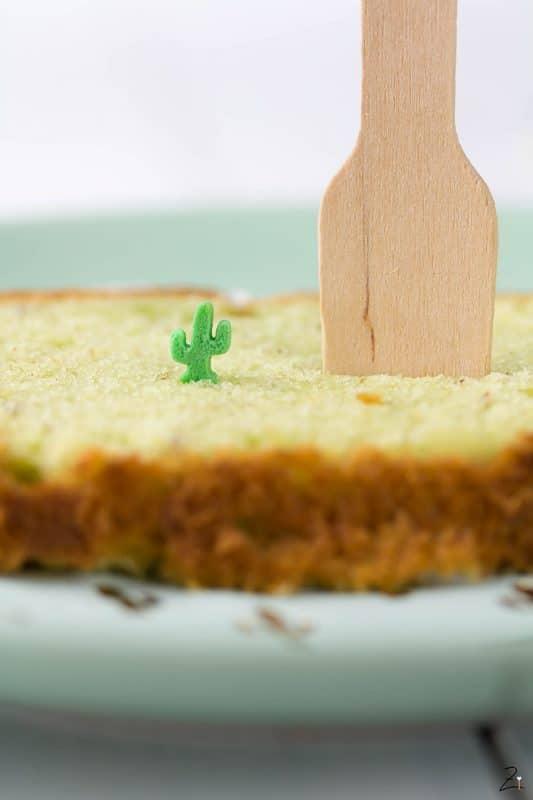 Einfaches Rezept für Avocado Kuchen mit Limetten Guss