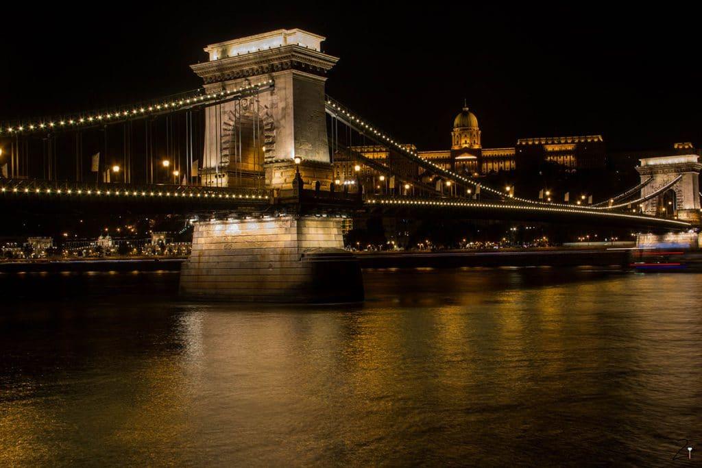 10 Must Dos in Budapest_Kettenbrücke
