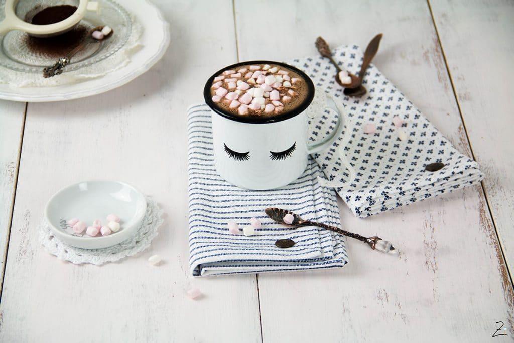 Rezept für selbst gemachte heisse Schokolade mit Mini Marshmallows