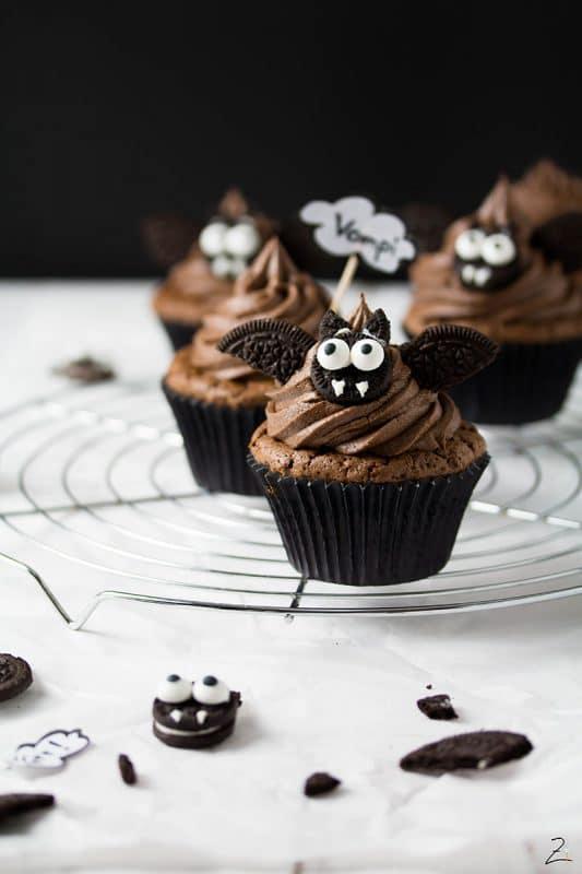 Vampi Cupcakes mit cremiger Schokoladenganache für Halloween © Zimtblume.de