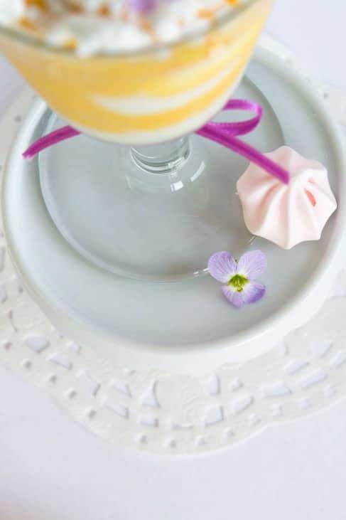 Erfrischendes-Mango-Joghurt-Dessert