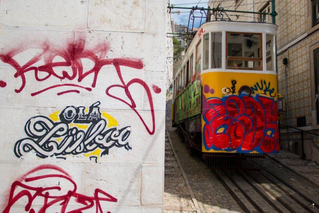 Lissabon Sehenswürdigkeiten: Steile Straßenbahn-Strecke