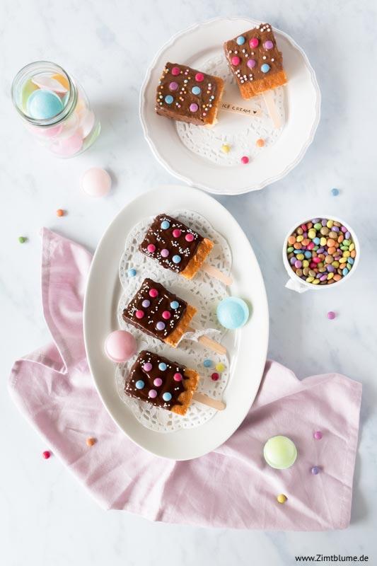 Bunter Fantakuchen als Kuchen Eis am Stiel
