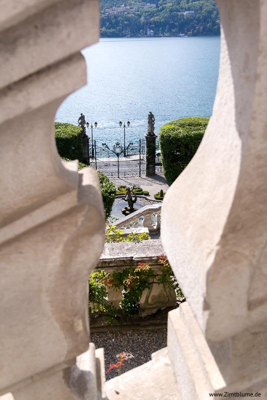 Blick durchs Fenster Villa Carlotta