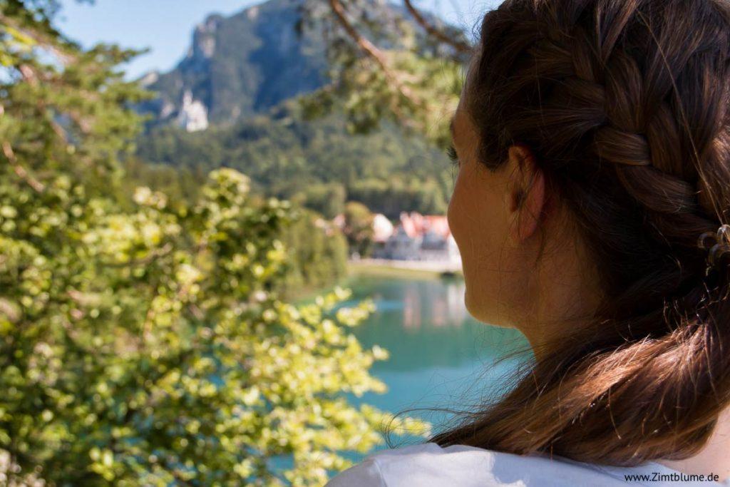 Blick auf den Alpsee und Schloss Neuschwanstein vom Pindarplatz