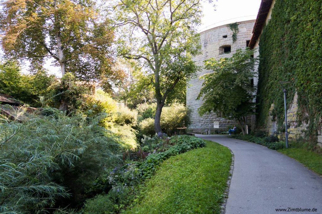 Spaziergang an der Stadtmauer in Überlingen