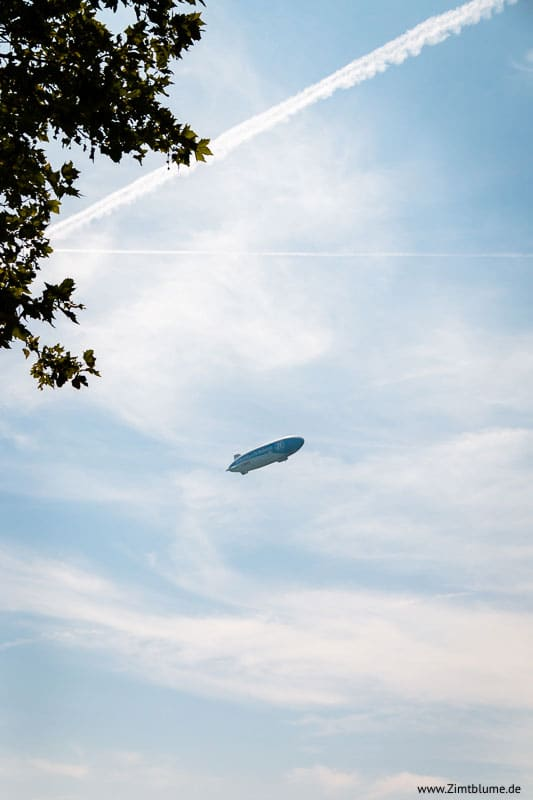 Zeppelin am Himmel