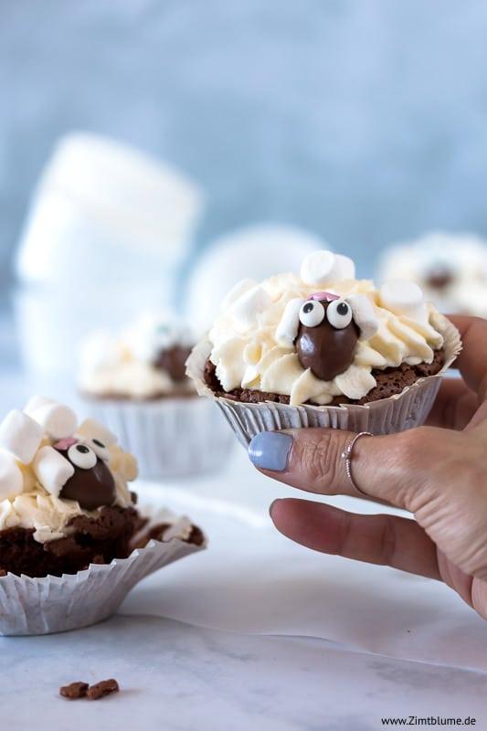 Schäfchen Muffins mit Marshmallows