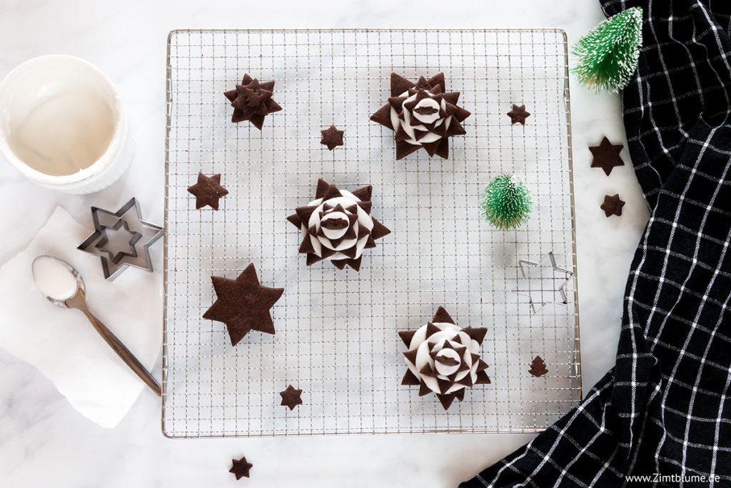 Tannenbaum Plätzchen aus Schokoladen Keksen