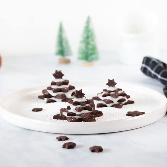 Tannenbaum Plätzchen aus Schokoladen Mürbeteig