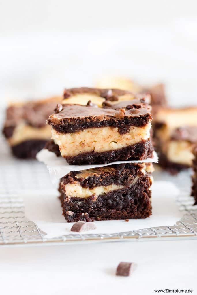 Cheesecake Brownies gestapelt
