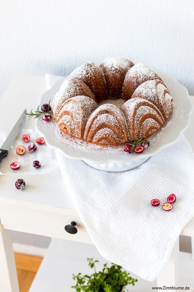 Studentenfutterkuchen mit Cranberries