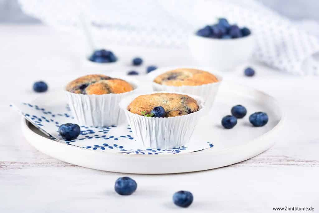 Saftige Blaubeer Muffins mit weißer Schokolade