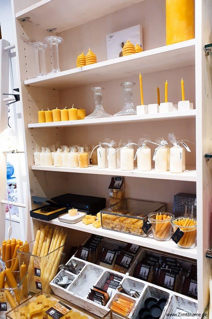 Selbst gezogene Kerzen in der Honig Galerie Heldt
