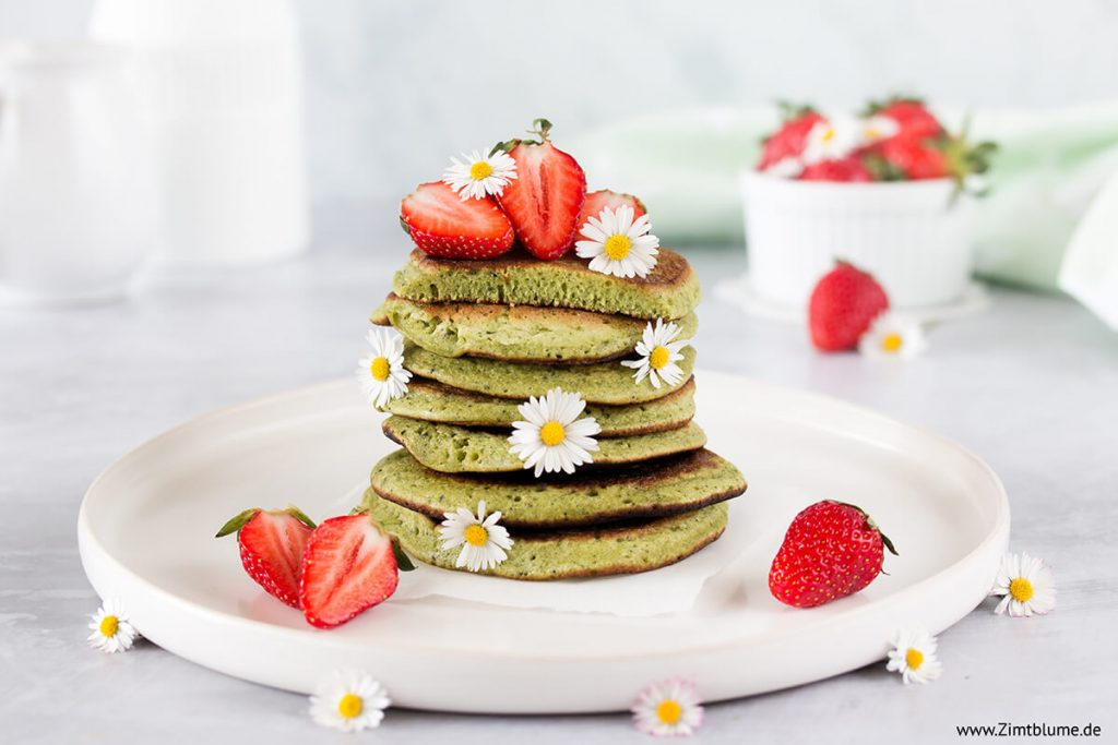 Rezept für fluffige Matcha Pancakes