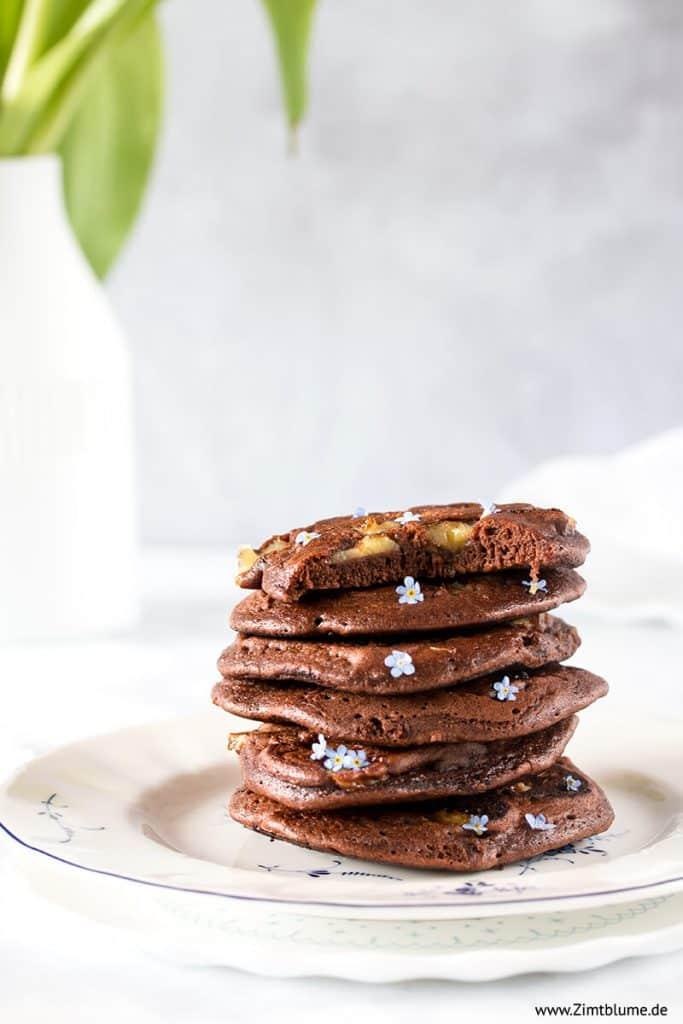 Einfaches Rezept für Schoko-Pancakes mit Banane