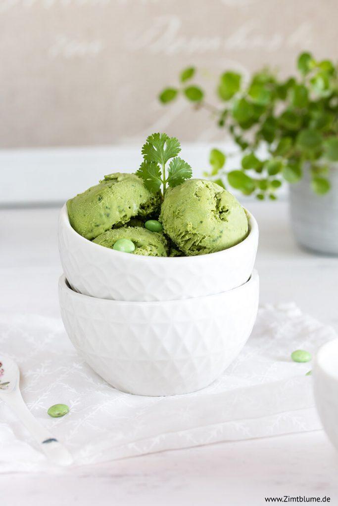 Matcha Eis mit Kondensmilch