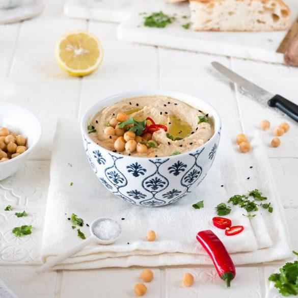 Hummus mit Kreuzkümmel und Koriander