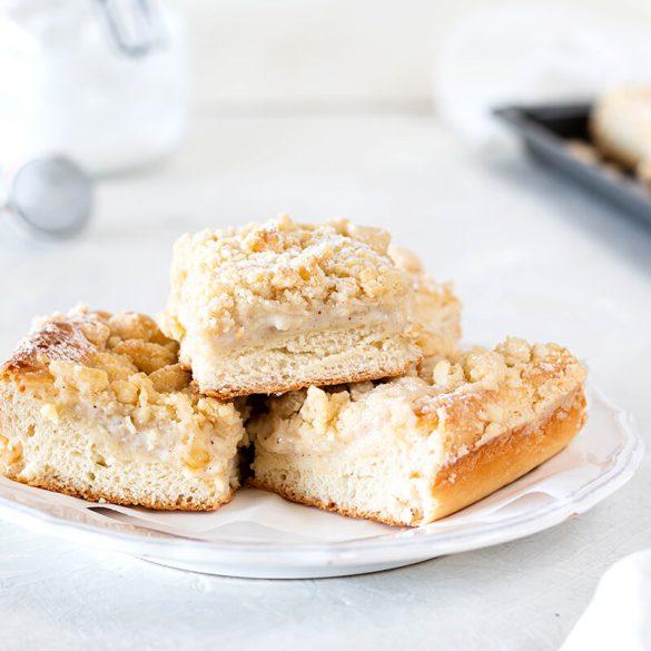Puddingkuchen: Streuselkuchen mit Hefeteig