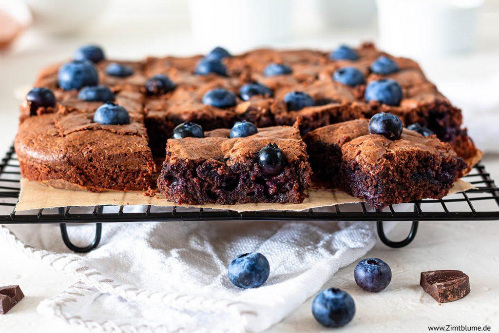 Blaubeer Brownies backen Rezept