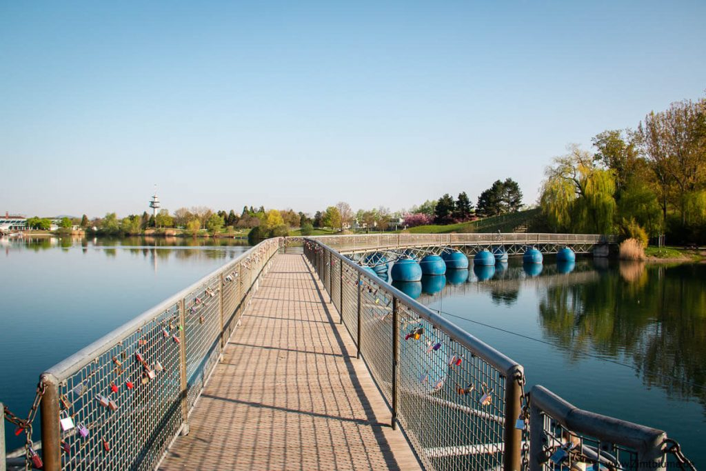 Pontonbrücke Seepark Freiburg